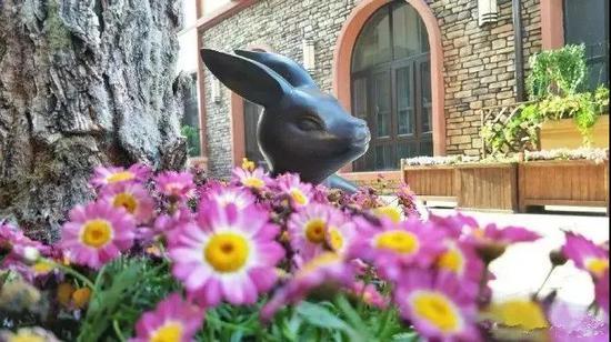 最美人世四月天,此雕刻才是此雕刻个小长假最犯得着去登临的中!