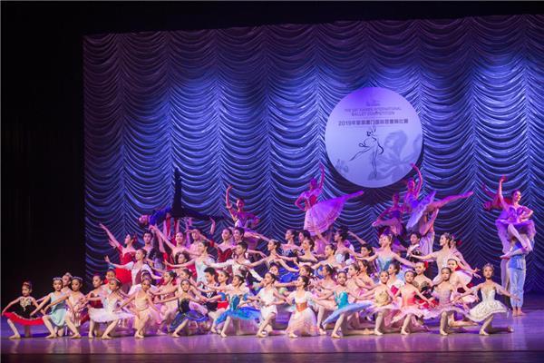 首届厦门国际芭蕾舞角逐美满收官 喜多多元气秘籍鲜炖银耳成大赛亮点